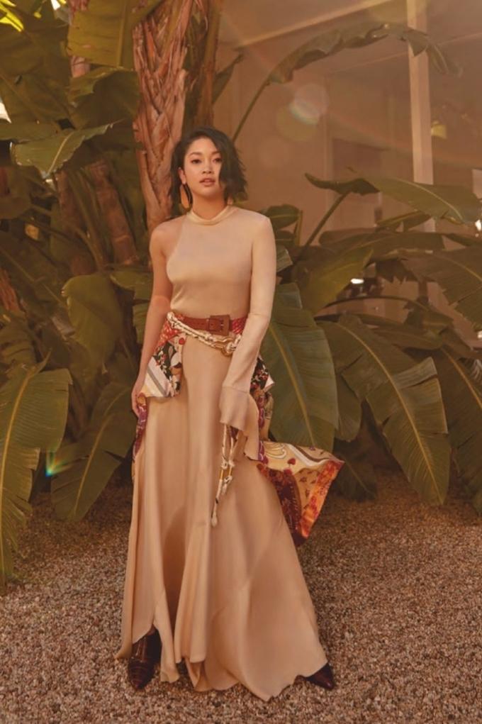 Diễn viên Hollywood gốc Việt khoe vẻ gợi cảm trên tạp chí Canada