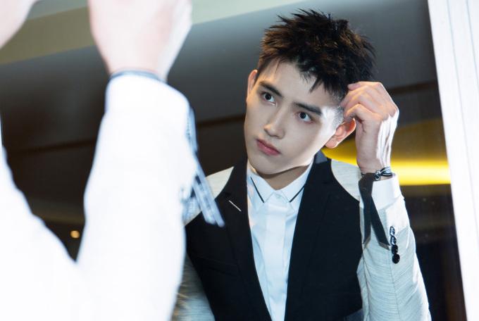 Con trai 'Diễn viên đẹp nhất Trung Quốc' được săn đón