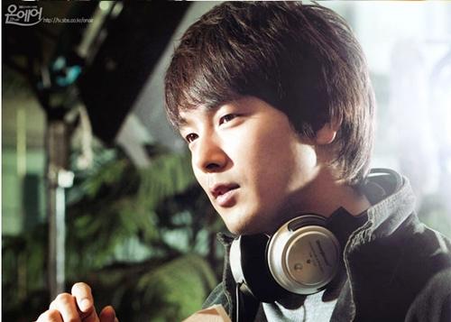 Park Yong Ha sinh năm 1977, gia nhập làng giải trí hồi 1994 - khi mới 17 tuổi. Anh gây tiếng vang với loạt phim Nếu tuyết rơi đêm Giáng sinh, Yêu em, Sóng gió hậu trường... Ngoài diễn xuất, anh còn là ca sĩ, từnghát OST cho nhiều phim đình đám. Yong Ha cũng lànghệ sĩ Hàn đầu tiên đoạt giảiNghệ sĩ mới xuất sắc tại lễ trao giải Golden Disk của Nhậthồinăm 2005. Từ năm 2006 đến 2008, tài tửđoạtliên tiếp bốn giải âm nhạc lớn tại xứ Phù Tang.