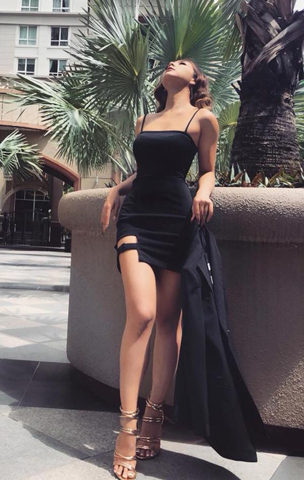 Con gái chưởng môn phái Vịnh Xuân chuộng diện đồ sexy