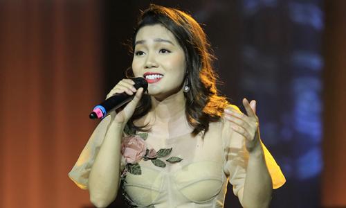 Ca sĩ Ngọc Anh trong đêm nhạc.