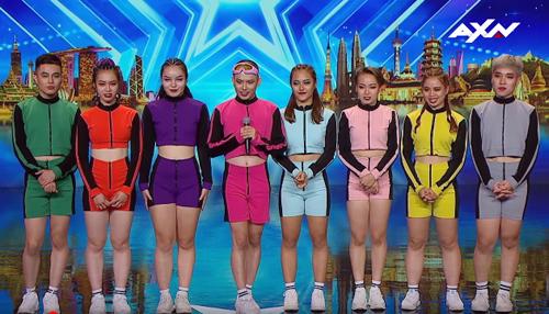 Một số thành viên nhóm nhảy Hanoi X-Girls.