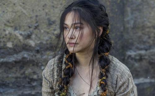 Dianne Doan sinh năm 1990, quêBến Tre, có bố mẹ là người Việtsống ở Canada. Cô từng tham gia các series Descendants, Vikings và Once Upton a Time.