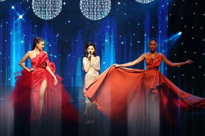 Hồ Ngọc Hà hóa Bond Girl khuấy động 'Đêm hội chân dài'