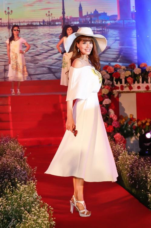 Á hậu Băng Châu đảm nhận hai vai trò trong sự kiện ngày 8/3 (xin bài edit) - 2