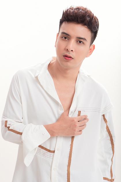 Ca sĩ Hồ Quang Hiếu.