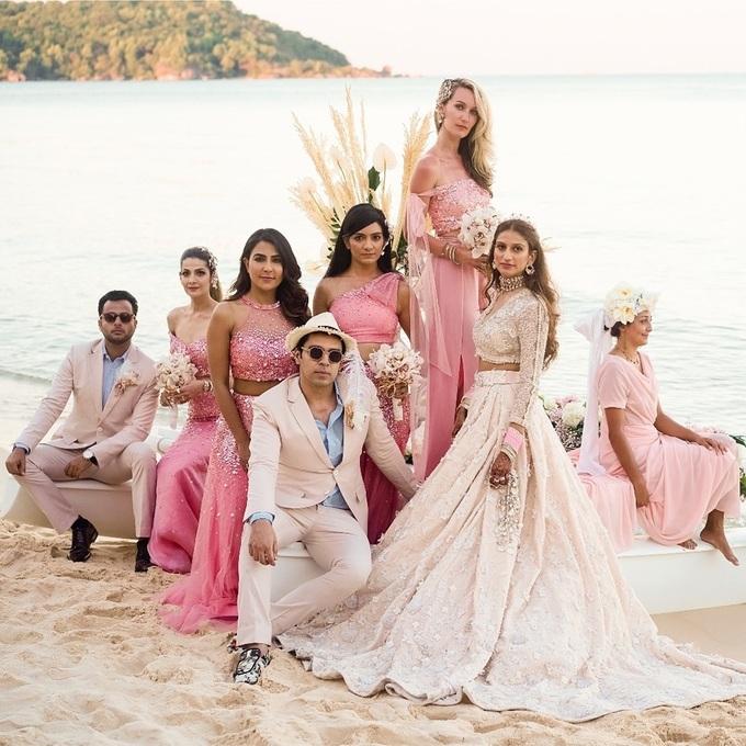 Phong cách thời trang của đại gia Ấn Độ tổ chức cưới ở Phú Quốc