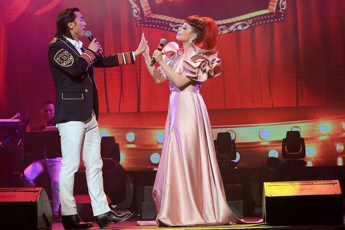 Liveshow Thanh Thảo 'níu chân' 1.500 khán giả ở Mỹ