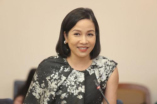 Ca sĩ Mỹ Linh ở buổi họp báo sáng 12/3.