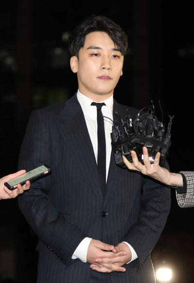 Seungri bị triệu tập hồi cuối tháng 2.