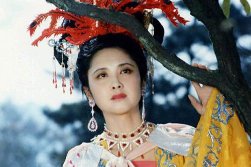 Chu Lâm lưu dấu ấn với vai quốc vương Nữ Nhi Quốc trong Tây du ký 1986. Xinhua đánh giá Chu Lâm thành công nhờ lối diễn xuất giản dị, tự nhiên và chân thành. Cho tới nay, chưa một diễn viên nào vào vai Tây Lương nữ vương thành công hơn Chu Lâm.