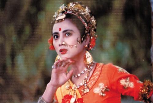 Lý Linh Ngọc (sinh năm 1963) đóng Ngọc Thố Tinh (Thỏ Ngọc trốn xuống trần làm loạn) và công chúa Thiên Trúc trong Tây du ký bản 1986.