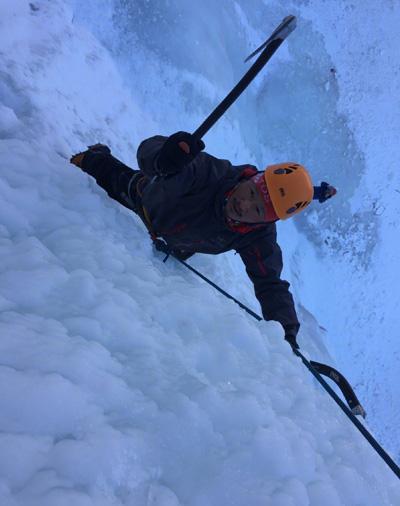 Ngô Kinh luyện tập ở núi tuyết để đóng phim mới.