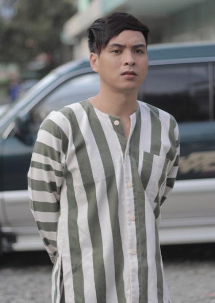 Hồ Quang Hiếu từng thực hiện phim ca nhạc có tên Thiếu niên ra giang hồ, phát hành online, do anh đóng vai chính.