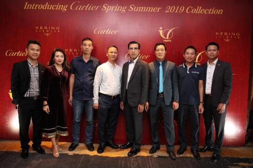 Đơn vị này vừa tổ chức buổi giới thiệu BST kính mắt Cartier xuân hè 2019. Sự kiện thu hút đông đảo đại lý bán lẻ tới tham dự và đặt hàng.