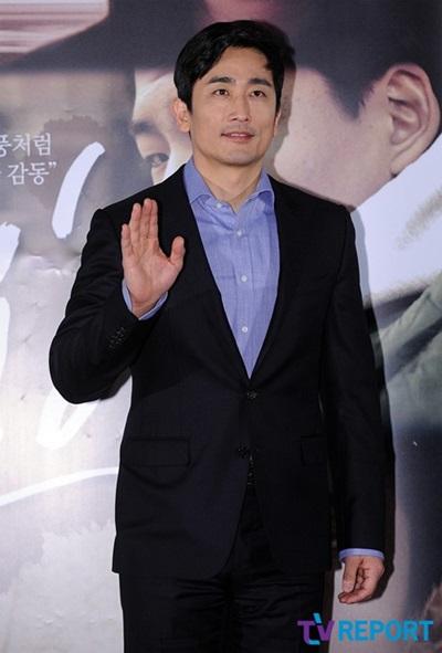 Cha In Pyo ở tuổi 47 khi tham dự buổi họp báo ra mắt phim điện ảnh My Boy.