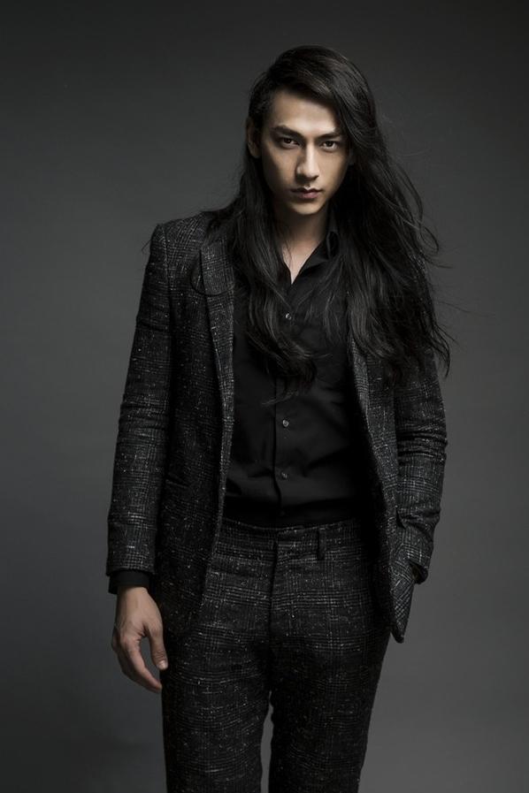 Biến đổi phong cách của Isaac qua 12 năm