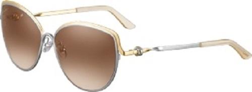 Trinity de CartierBộ sưu tập phản chiếu ánh nhìn lấp lánh nữ tính, huyền ảo mang đậm phong cách Cartier. Kính mát hay gọng kính đều mang thiết kế cao cấp, được ví như món trang sức gợi cảm với ba gam màu khác nhau: bạch kim, vàng hồng và vàng. Màu vàng hồng biểu trưng cho tình yêu, vàng thể hiện lòng trung thành và vàng trắng đại diện cho tình bạn. Ba màu rực rỡ như ánh mặt trời được đan xen khéo léo trên chiếc nhẫn được chế tác bởi Maison vào năm 1924.