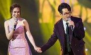 Mỹ Tâm nắm tay Hà Anh Tuấn nhảy trên sân khấu