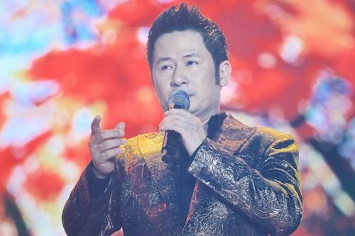Bằng Kiều - một trong những ca sĩ góp mặt trong đêm nhạc.
