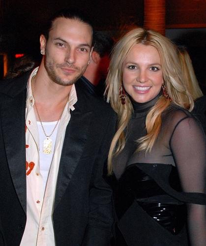 Nữ ca sĩ nhanh chóng bắt đầu tình mới sau cuộc ly hôn. Cô hẹn hò với vũ công Kevin Federline. Họ kết hôn vào tháng 10 năm 2004 sau ba tháng hẹn hò. Cô tạm dừng sự nghiệp ca hát để tập trung cho gia đình. Họ có với nhau hai người con trai là Sean (2005) và Jayden (2006).