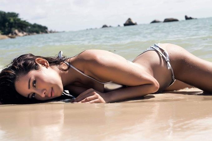 Mỹ nhân vướng bê bối ảnh nhạy cảm trở thành Miss Earth Thái Lan
