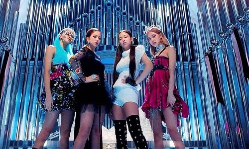 Bốn thành viên Black Pink trong MV mới. Ảnh: Allkpop.