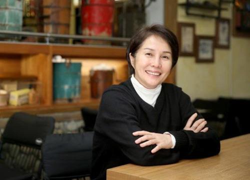 Cao Kim Tố Mai hiện theo nghiệp chính trị.