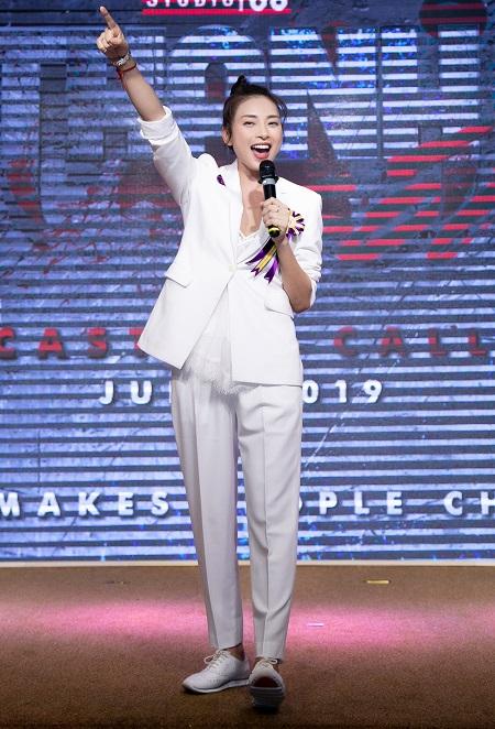 Ngô Thanh Vân giới thiệu dự án ở sự kiện.