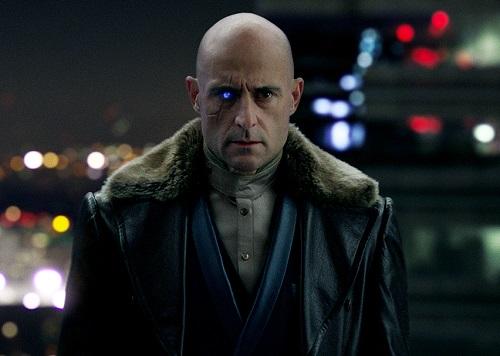 Đây là lần thứ hai Mark Strong đóng vai phản diện trong một phim chuyển thể từ truyện tranh DC, sau Green Lantern (2011).