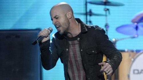 Daughtry trên sân khấu American Idol mùa năm. Ảnh: Fox.