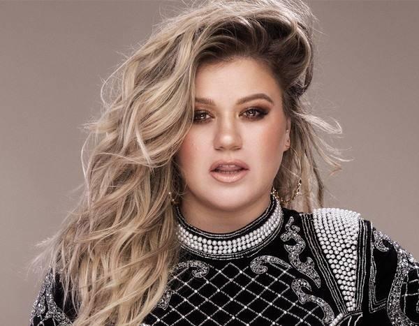 Kelly Clarkson - quán quân mùa đầu tiên của American Idol. Ảnh: EOnline.