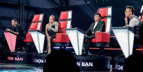Dàn huấn luyện viên The Voice 2019 (từ trái sang): nhạc sĩ Hồ Hoài Anh, ca sĩ Thanh Hà, Tuấn Ngọc, Tuấn Hưng.