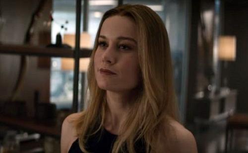 Trong phần bốn về Avengers, Captain Marvel xuất hiện với mái tóc duỗi khác trong phim riêng về cô. Trên Inverse, đạo diễn Anthony và Joe Russo cho biết quay tác phẩm này trước Captain Marvel. Tạo hình của nhân vật trong phim do Larson quyết định.