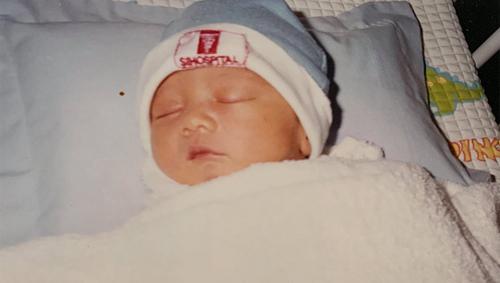 Con trai Hiền Mai lúc một tháng tuổi.