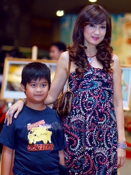 Thỉnh thoảnh, con trai Hiền Mai theo mẹtham gia các sự kiện giải trí.