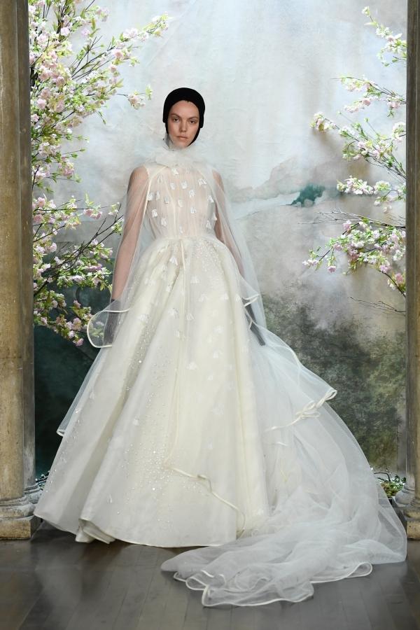 Phương My lần đầu ra mắt bộ sưu tập váy cưới ở New York