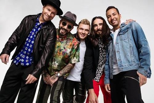 Các thành viên Backstreet Boys ( từ trái qua): Brian, AJ, Nick, Kevin và Howie. Ảnh: Rolling Stone/ Dennis Leupold.
