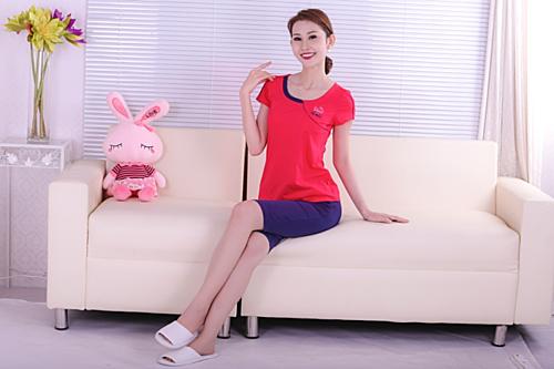 Màu sắc, thiết kế luôn được Paltal chú trọng cập nhật để luôn mang đến một trang phục hài lòng nhất cho khách hàng dù chỉ là bộ trang phục mặc nhà BLTN 014 0238.