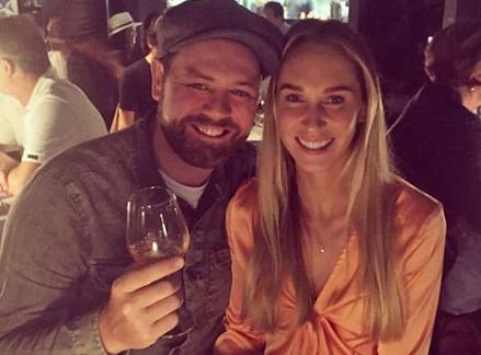 Brian và bạn gái - Danielle Parkinson.