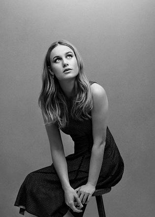 Brie Larson là một chiến binh trên màn ảnh và ngoài đời thực. Captain Marvel là phim siêu anh hùng Marvel đầu tiên có diễn viên nữ chính. Bộ phim cán mốc doanh số hơn 1 tỷ USD trong năm nay. Brie trở thành đại diện cho bình đẳng giới, và chỗ dựa cho làn sóng phản đối việc quấy rối tình dục phụ nữ tại Hollywood.