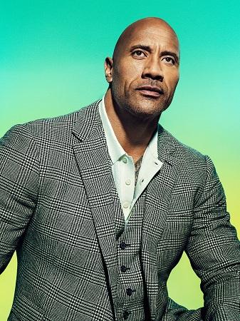 Dwayne Johnson là nhân vật đầu tiên trong nhóm nghệ sĩ trong danh sách của Time. Dù thuộc nhóm diễn viên bận rộn nhất Hollywood, The Rock dành nhiều thời gian cho gia đình, bạn bè, làm từ thiện, tập luyện và các dự án nghệ thuật mới. Tờ Time đánh giá nam diễn viên là tấm gương cho niềm đam mê và nỗ lực trong công việc.