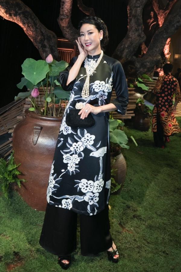 Năm hoa hậu hội ngộ trong show thời trang