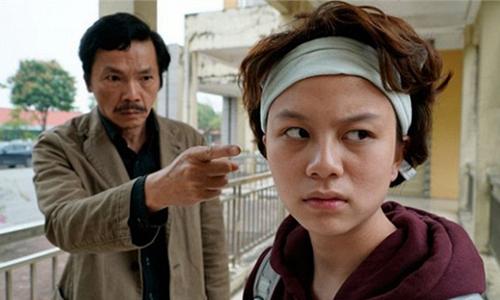 Nghệ sĩ Ưu tú Trung Anh (vai ông Sơn) và Bảo Hân (vai Ánh Dương) trong phim.