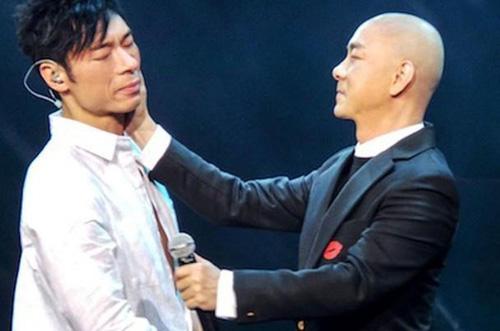 Hứa Chí An (trái) và Trương Vệ Kiện.