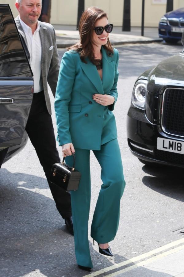 Angelababy mặc đẹp với đầm xa xỉ của Dior