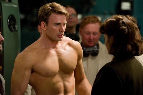 Chris Evans trong Captain America: The First Avenger.