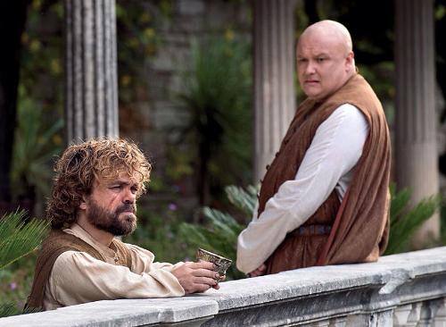Tyrion (trái) và Varys.