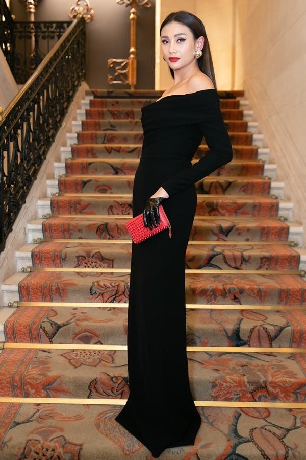 Võ Hoàng Yến, Phan Anh chấm thi sắc đẹp ở Pháp