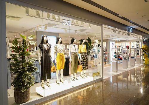 OVS - một trong những thương hiệu thời trang bán lẻ hàng đầu Italy - vừa khai trương cửa hàng thứ ba và cũng là cửa hàng flagship đầu tiên tại trung tâm mua sắmVincom Đồng Khởi, TP HCM.